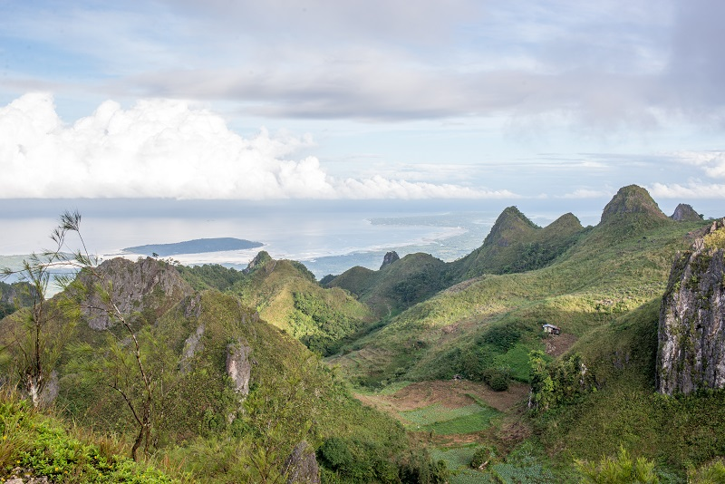 Osmena Peak - Cebu Island - The Philippines - Banana Journey (3)